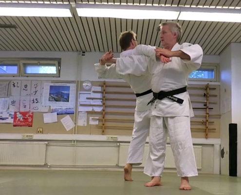 Какетэ - упреждающие техники Дайто-рю айки-дзюдзюцу