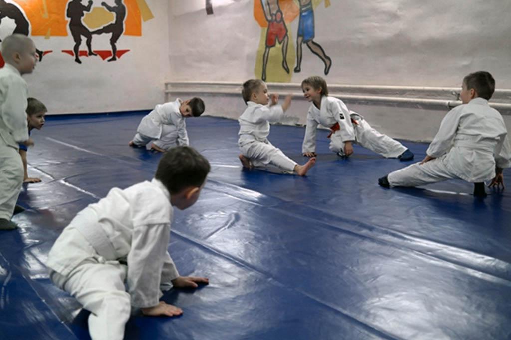 разминка на детской тренировке